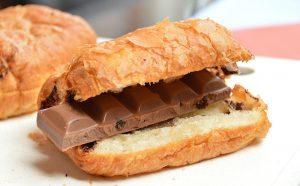 Croissant mit Schokolade